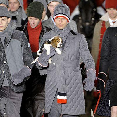 Moncler, sfilata di cani