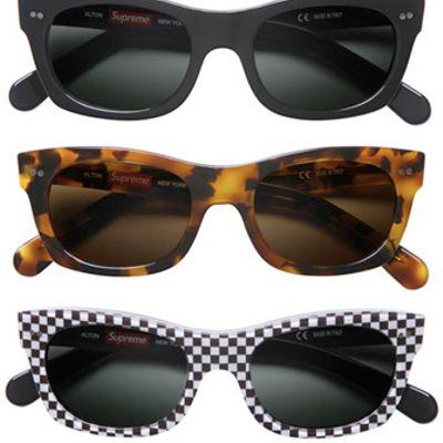 Nuovi occhiali di Supreme