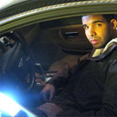 Drake non riesce a far partire la Bugatti