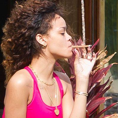 Il video di Rihanna tutta fatta al supermercato