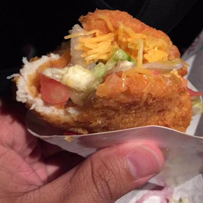 Taco Bell ha fatto il Taco con il pollo fritto al posto della tortilla