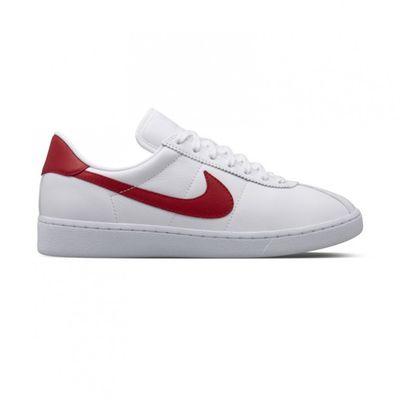 Nike ha rifatto le Bruin di Marty McFly 6b37ac5e428
