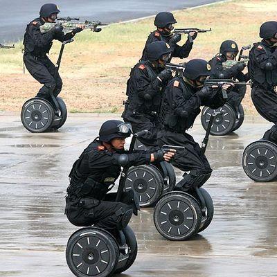 A Pittsburgh la SWAT è intervenuta per sventare un furto di sneaker