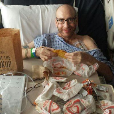 Zio si sveglia dopo 48 giorni di coma e la prima cosa che dice è che vuole un taco