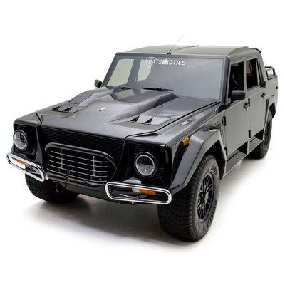 Con 400k ti puoi comprare la jeep Lamborghini