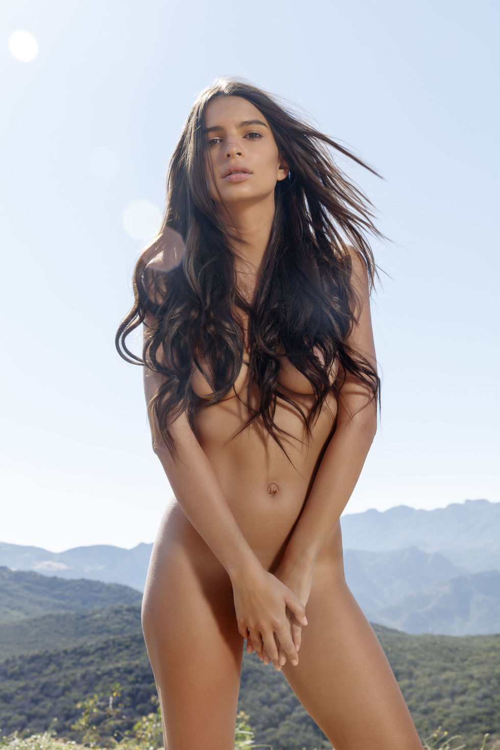gallery-1467386353-hbz-august-2016-cover-emrata-embeds-02