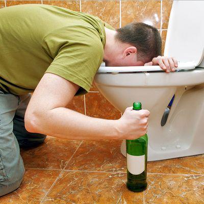 UNOTRE x il lavoro: una compagnia cerca stagista per andare in giro a bere gin