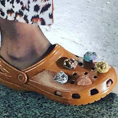 Colpo di moda: la Crocs è la nuova scarpa fashion