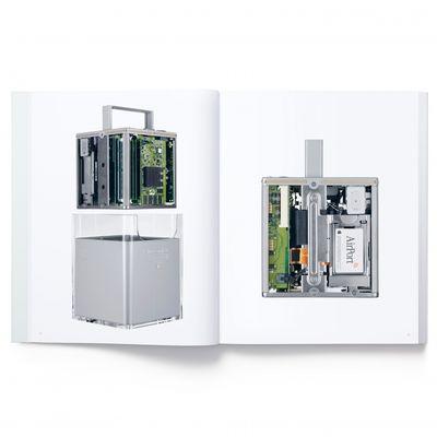 Designed by Apple in California, il libro da 300$ con solo foto di prodotti Apple