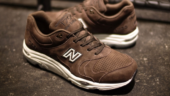 new-balance-1700-chocolate-3
