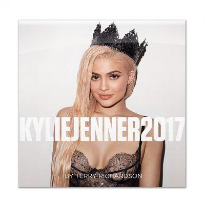 Calendario 2017 di Kylie Jenner con le fotine di Terry Richardson