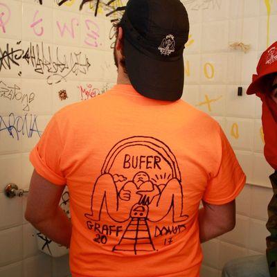 Bufer x Graffdonuts t-shirt e cappelletto