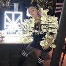 Outfit di banconote di Miley Cyrus