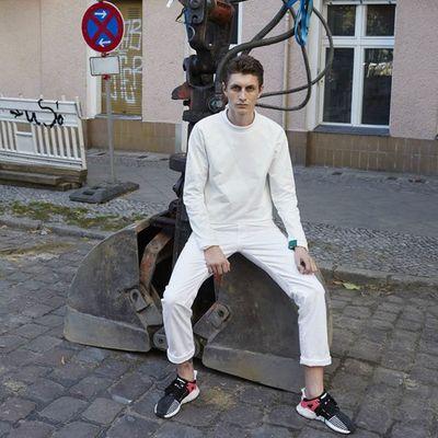 Lookbook di adidas Originals EQT scattato da Juergen Teller a zonzo per Berlino