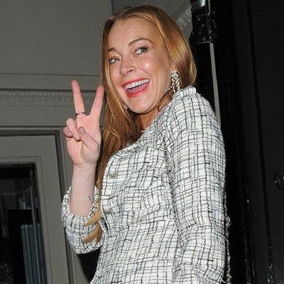 Eroina vera: Lindsay Lohan molla tutto e va a fare beneficenza in Medio Oriente