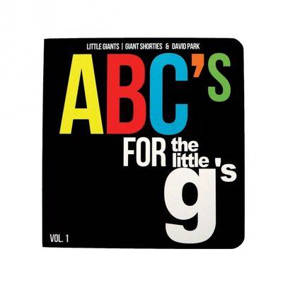 Libro doppiamente educativo per imparare l'alfabeto con le sneaker
