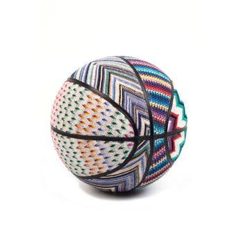 Palla da basket di maglione di Missoni