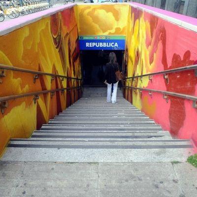 La nuova street art della metro Repubblica di Milano