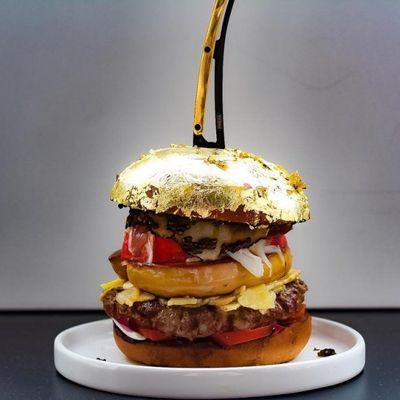 Hamburger da 2k coperto d'oro