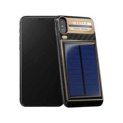 iPhone X oro e carbonio con batteria a carica solare
