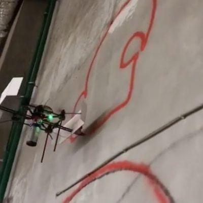 Graffiti fatti con i droni