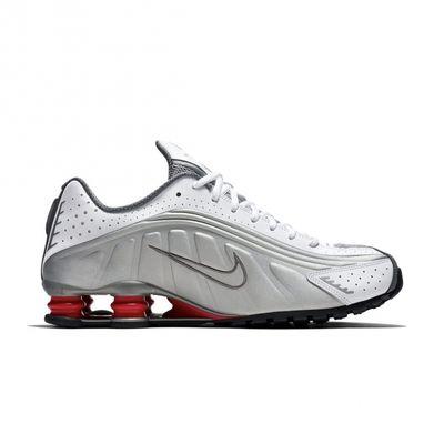 Nike ha rifatto le Shox R4